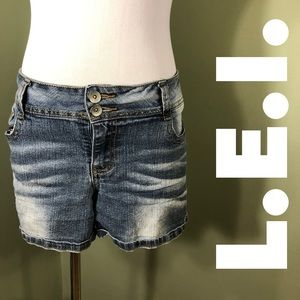15 L.E.I. Ashley Lowrise Shorts